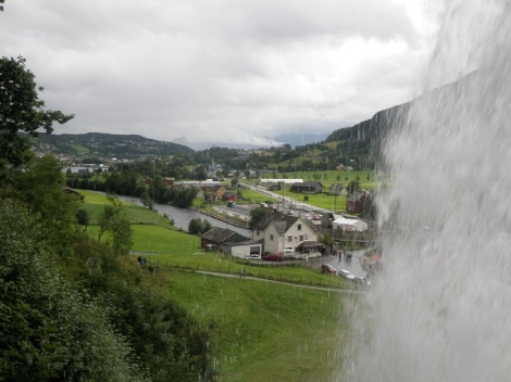 You can walk behind the waterfall! Woo!